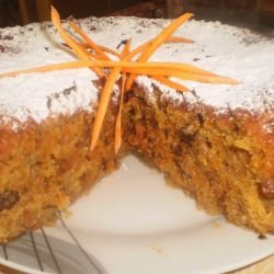 Juicy Cake with Carrots and Oranges