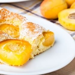 Quick Cake with Apricots
