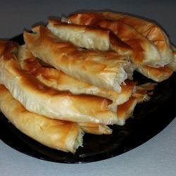 Rolled Cheese Pastry with Leeks