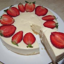 Quick Cheesecake with Strawberries