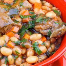 Pork Chops with Garlic and Beans
