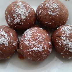 Biscuit Chocolate Balls