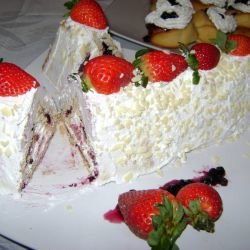 Biscuit Roll with Cream and Strawberries