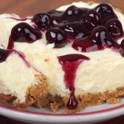 Cheesecake with Blueberry Jam