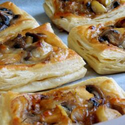 Puff Pastries with Caramelized Onions, Mushrooms and Apples