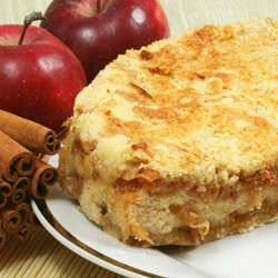 Apple Cake with Semolina and Cinnamon