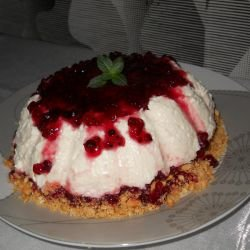 Cheesecake with Blackcurrant Jam