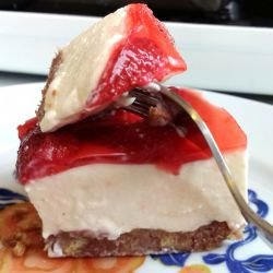 Quick Strawberry Cheesecake in 20 Min.