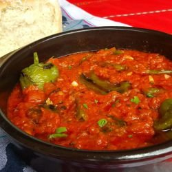 Quick and Easy Peppers in Tomato Sauce