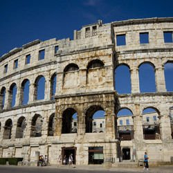 Rss Feeds from Travelinos.com - Coliseum of Pula - Pula Arena