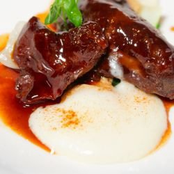 Aligot - French Mashed Potatoes with Demi-Glace