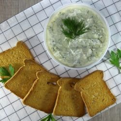 Homemade Cream Cheese with Garlic
