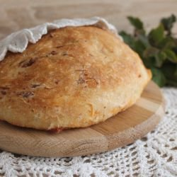 Bread with Dried Tomatoes