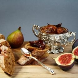 Fig Dessert with Nuts and Sesame