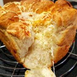 Hleb od kačkavalja (Golden cheese bread)