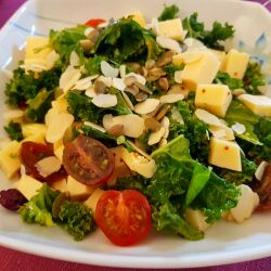 Green Salad with Kale and Cherry Tomatoes