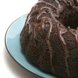 Cake with Chocolate Glaze