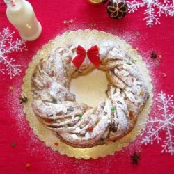 Christmas Wreath with Cinnamon and Almond Marzipan
