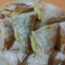Puff Pastry Treats with Cream