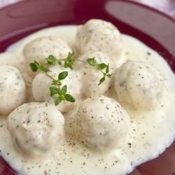 Meatballs with Fricassee Sauce