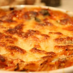 Macaroni and Chicken Fillet Gratin