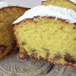 Lemon Cake with Raisins
