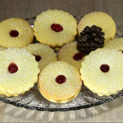 Homemade Christmas Linzer Cookies