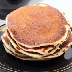 American Pancakes with Bananas