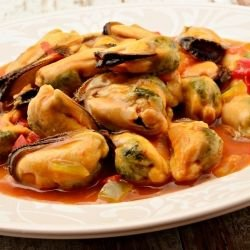 Spanish-Style Mussels