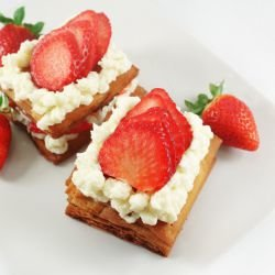 Mille-Feuille with Strawberries and Red Wine