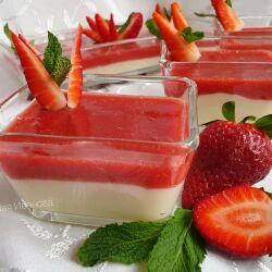 Dairy Pudding with Strawberries, Mint and Whiskey