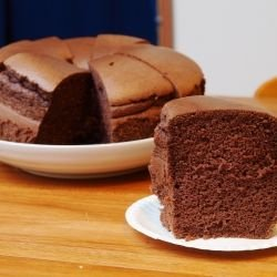 Chocolate Cake with Milk Chocolate