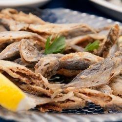 Fried Sprat with Bay Leaf
