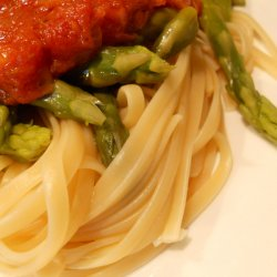 Asparagus and Tomato Sauce Pasta