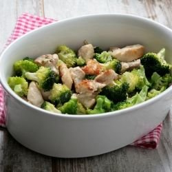 Oven Baked Chicken with Broccoli and Cream