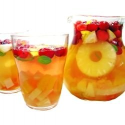 Sangria with White Wine