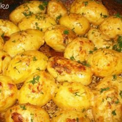 Fresh Potatoes in the Oven with Mustard