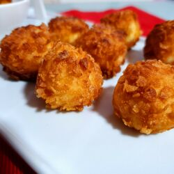 Breaded Cheese Bites with Cornflakes