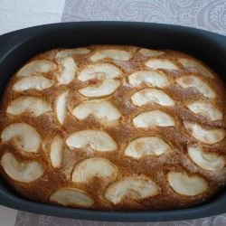 Cornish Cake with Apples