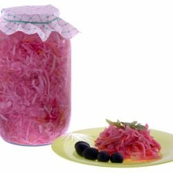 Red Cabbage with Bay Leaf