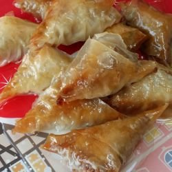 Retro Triangular Phyllo Pastries