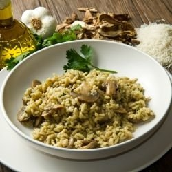Chinese Rice with Mushrooms and Olives