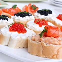 Shopi-Style Sandwiches with Cottage Cheese and Tomatoes
