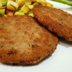 Schnitzels with Minced Meat and Yellow Cheese
