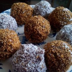 Chocolate Balls with Biscuits
