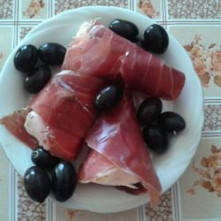 Processed Cheese in Prosciutto