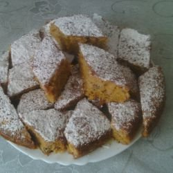 Cake with Pumpkin, Walnuts and Cinnamon