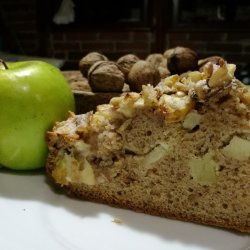 Cake with Apples, Walnuts and Cinnamon
