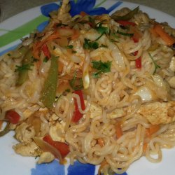 Fried Spaghetti with Chicken and Vegetables