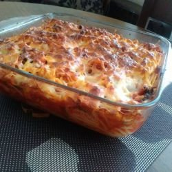 Oven-Baked Spaghetti with Lots of Spices and Cheese
